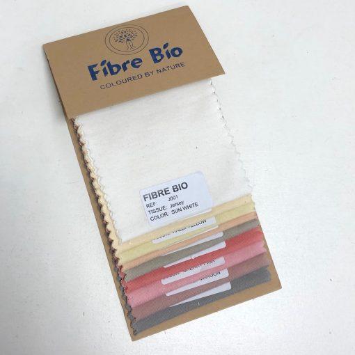 Echantillon Pantone de couleurs naturelles sur tissu maille